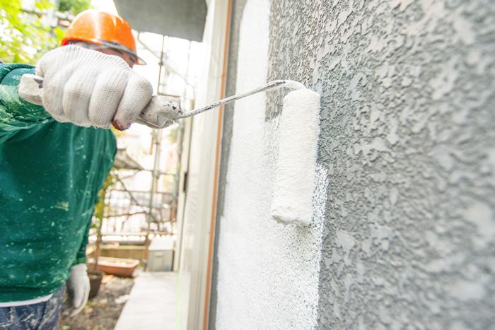 外壁を塗り替え